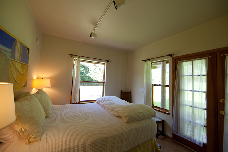 Willows Inn Farmhouse Suite bedroom