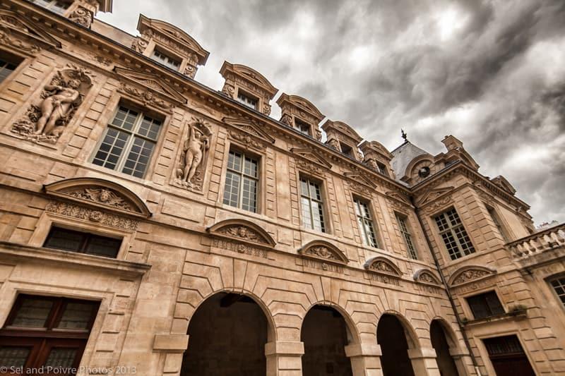 Paris Hotel Sully