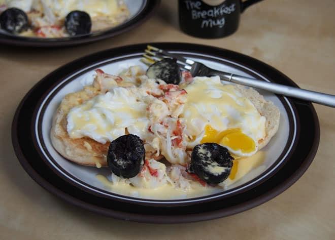 food-blogger-carolines-cooking-lobster-eggs-benedict