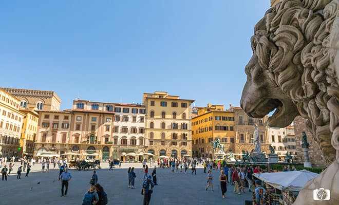 Lion-near-Duomo-FLORENCE