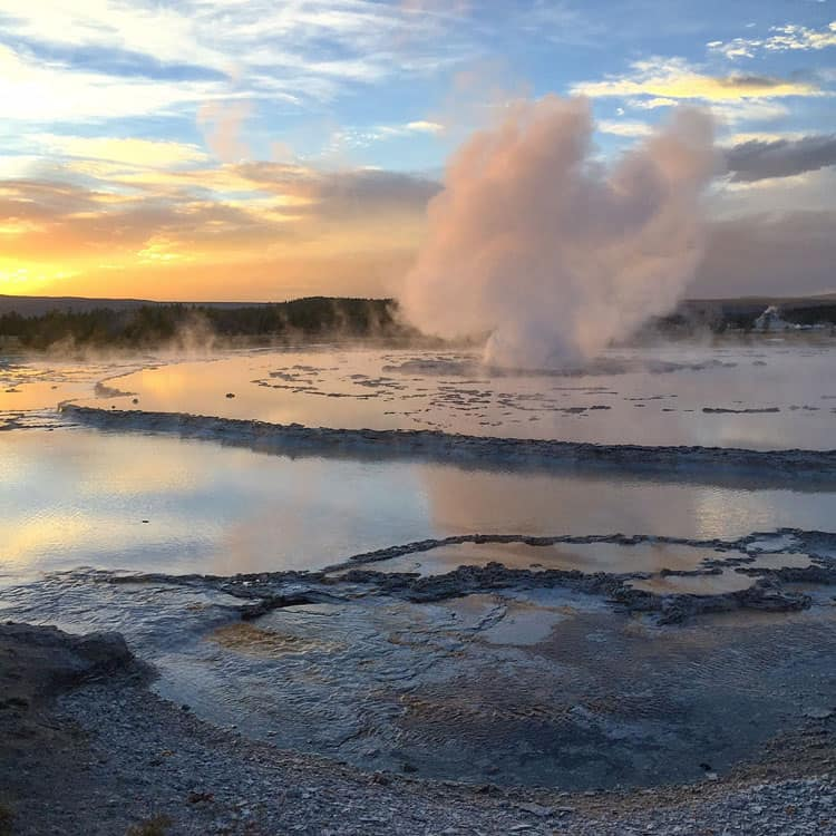 sunset-at-great-fountain-geyser