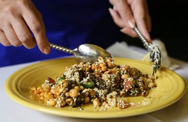 Best Burmese Food in San Francisco mandalay-tea-leaf-salad